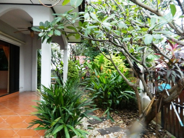 2 bedrooms house for rent in tapprya road