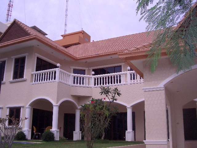 3 Bedroom , House for rent : 3 Bedrooms House for rent in Pratamnak Hill  ฿65,000 per month