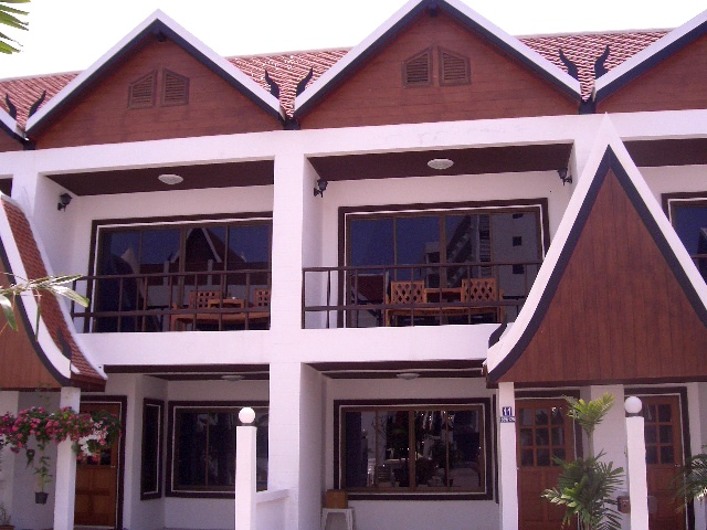 2 bedrooms house for rent in pratamnak hill