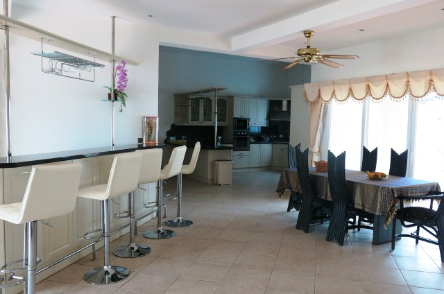 Mabprachan 17: 5 Bedrooms House for sale/rent in East Pattaya ฿17,500,000 / ฿95,000 p/m