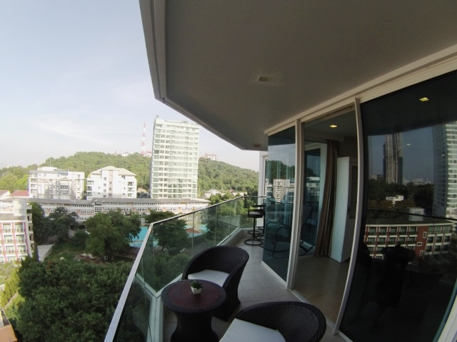 2 bedrooms condo for sale in pratamnak hill