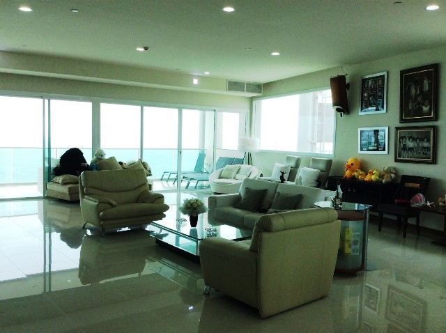 4 bedrooms condo for sale in na jomtien