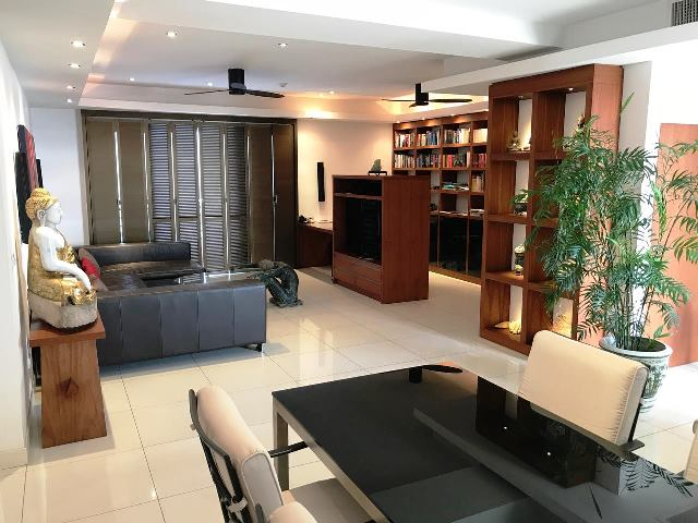 3 bedrooms condo for sale in pratamnak hill