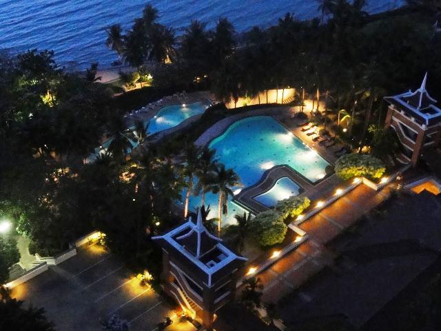Royal Cliff Darden: 3 Bedrooms Condo for sale in Pratamnak Hill  ฿25,500,000